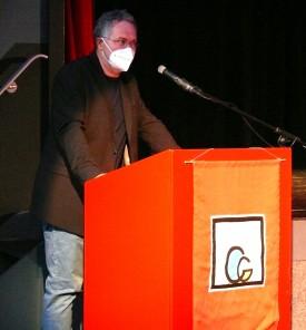 Schulleiter Jens Gebbeken bei seiner Begrüßungsrede